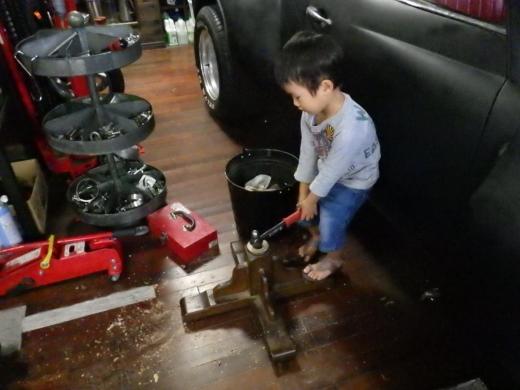 ガレージのテーブル (24)