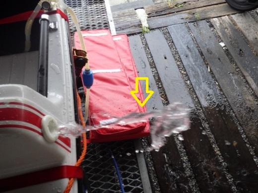 ボートを洗う (12)