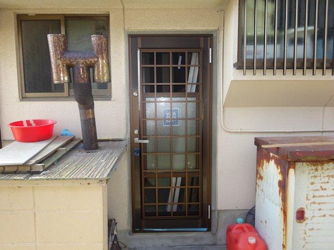 T邸勝手口ドア・浴室折り戸改修 完了