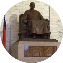 15 蒋介石の像 (1)